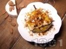 Рецепта Печени круши в розе със сирене Бри, хрупкави ядки и карамел